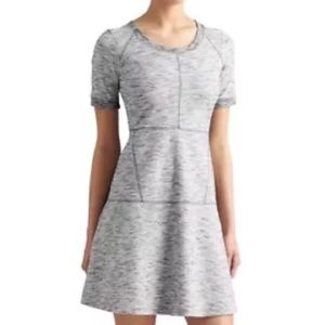 Athleta En Route Dress L Large Gray Back Zip